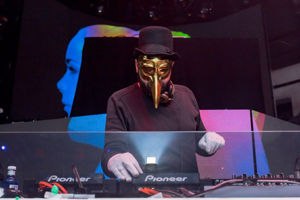 DJ AWARDS 2015-CLAPTONE